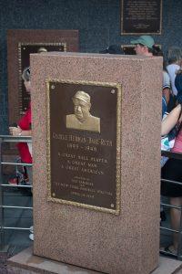 Monument Park at Yankee Stadium: Must See!