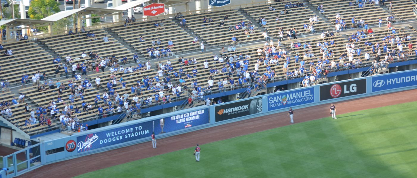 Catching a Baseball at an MLB Game – Tips & Tricks